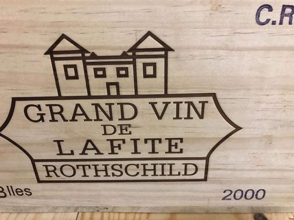 Château Lafite-Rothschild 2000 (CBO 6)